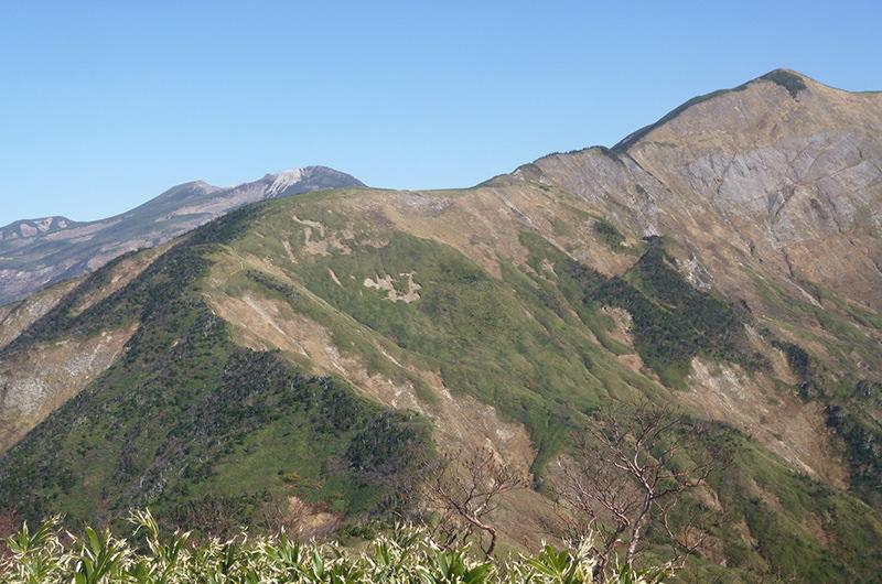 三の峰から別山 白山 10月
